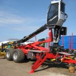 Hákový nosič kontajnerov za traktor
