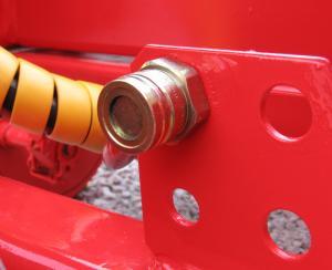 Zadný výstup pre hydraulické brzdy